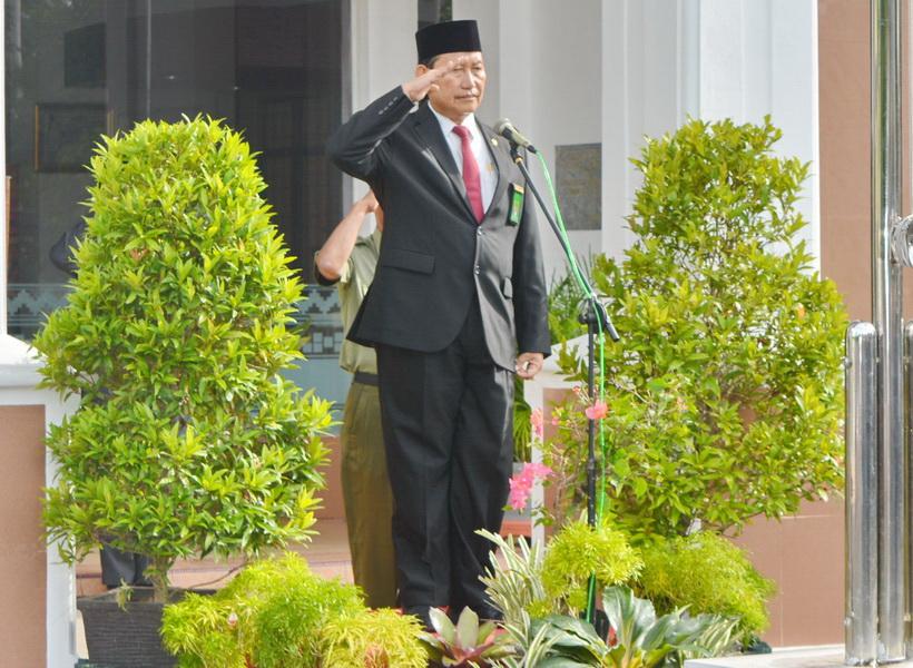 Bapak Mochamad Hatta S.H.,M.H Pimpin Upacara Hari Pahlawan