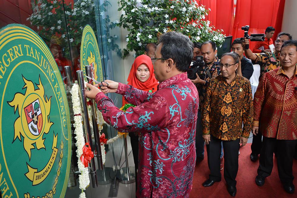 Peresmian PTSP, e-SKUM dan ATR pada 6 (enam) Pengadilan Negeri di wilayah hukum Pengadilan Tinggi Tanjungkarang