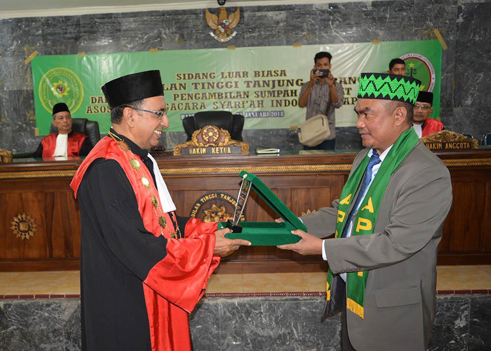 Pengambilan Sumpah Advokat Asosiasi Pengacara Syariah Indonesia (APSI)