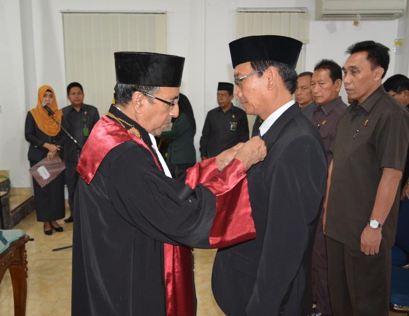 Pengambilan Sumpah Jabatan dan Pelantikan Panitera Pengganti Pada Pengadilan Tinggi Tanjungkarang