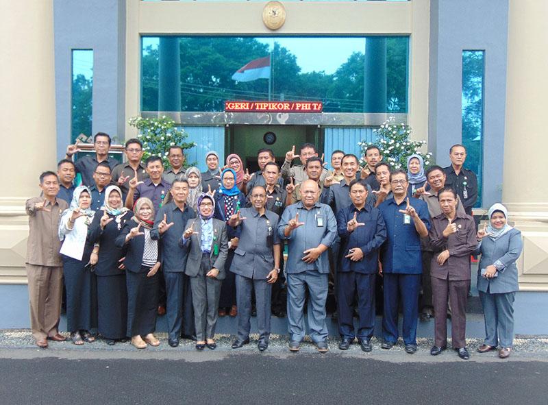 Pembinaan Ketua Pengadilan Tinggi Tanjungkarang dalam rangka persiapan launching PTSP pada Pengadilan Negeri Tanjungkarang Kelas IA